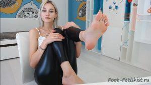 nendaranel sweaty cute feet